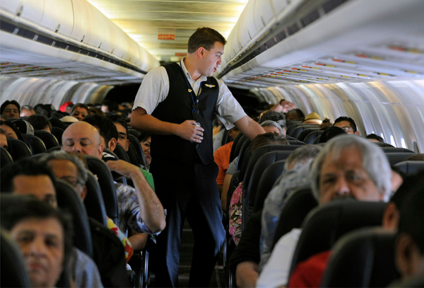 Những điều làm ngay khi bị quấy rối tình dục trên máy bay (2)